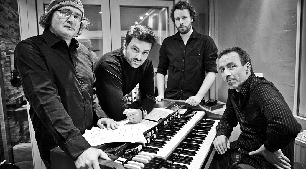 Andi Kissenbeck's Club Boogaloo (v.r.): Peter Weniger (sax), Torsten Goods (git/voc), Tobias Backhaus (dr), Andi Kissenbeck (org). Foto: ©PR